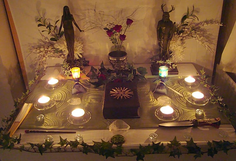 Pagan Altar - Wicca, Druid, Heathen, Witch - Decorating Altars is easy